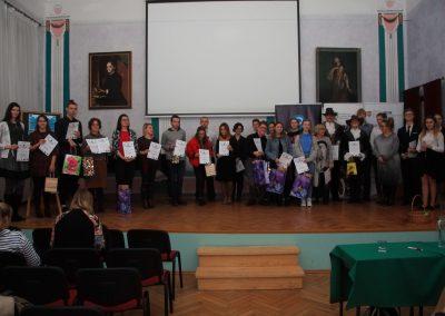 uczniowie-IXLO-na-konkursie-booktalking