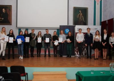 uczniowie-IXLO-na-konkursie-booktalking2