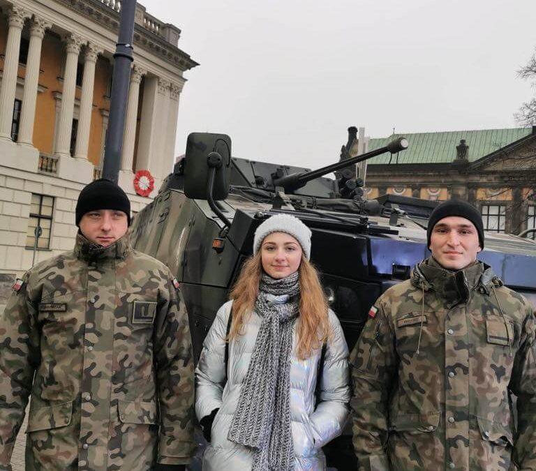 Przedstawiciele Jedenastki podczas ferii z wojskiem.